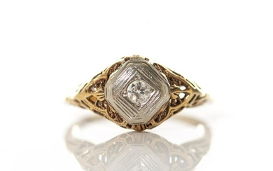 ANTIQUE GOLD AND DIAMOND RING, 3g