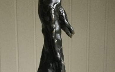 Gérard Szulevicz: Sculpture in the shape of a naked woman of patinated bronze. H. 25 cm. W. 5.5 cm. D. 4.5 cm.