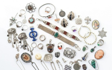 LARGE LOT OF ASSORTED SILVER & SILVERED JEWELLERY