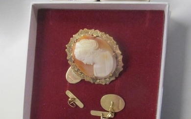 Mixed 9ct gold and yellow metal to include a cameo brooch Lo...