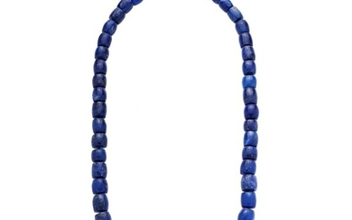 Necklace in lapis lazuli and yellow gold