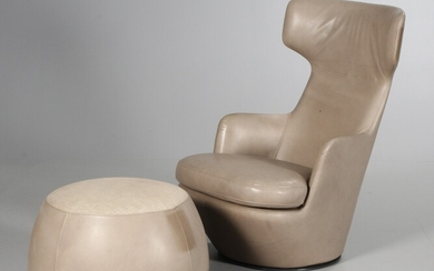 Niels Bendtsen. 'My Turn' leather lounge chair with matching footstool (2)