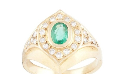 RING OF DIAMONDS AND EMERALDS.