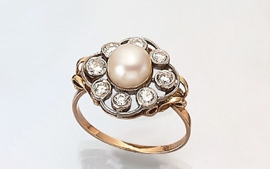 Ring with pearl and diamonds , approx....