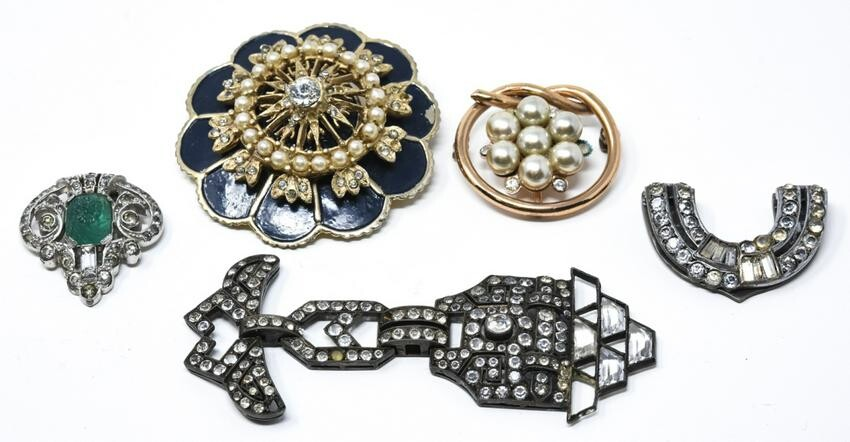 Vintage Costume Jewelry Brooches & Sweater Clips