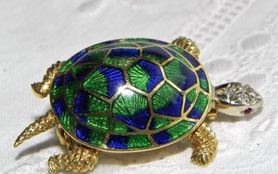 18 kt. Gold - 750 gold brooch in the form of a sculptured turtle Diamond