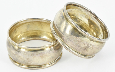 A PAIR OF STERLING SILVER NAPKIN RINGS
