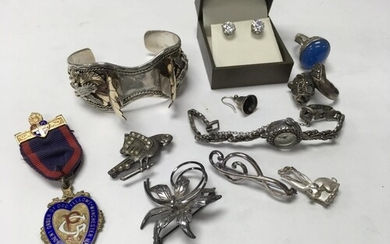 A small collection of good hallmarked and sterling silver Je...