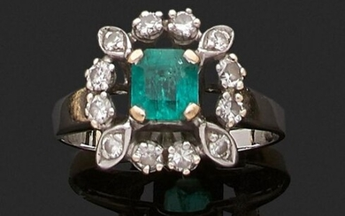 Ring in 375 thousandths white gold decorated, in the centre,...