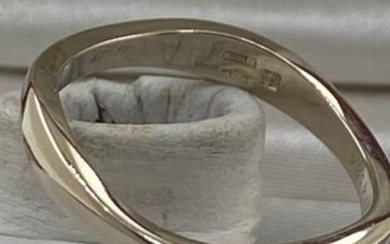 """Cartier - 18 kt. White gold, Cartier """" Love Me """" gold ring - Ring"""