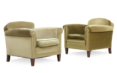 Danish cabinetmaker: A pair of art deco easy chairs of stained beech. Upholstered with green plush. (2)