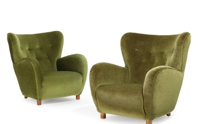 Danish furniture design: A pair of organic shaped easy chairs, upholstered with back fitted green and olive green velour, round beech front legs. 1930–40s. (2)