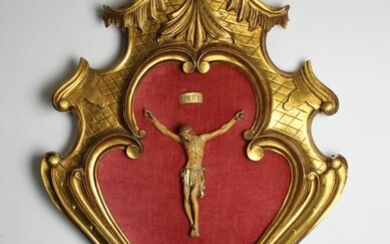 Important Christ in a large Louis XV frame / H90 CM - gilded wood and lacquered