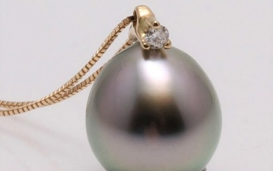 NO RESERVE PRICE - 18 kt. Yellow Gold - 8x9mm Peacock Tahitian Pearl Drop - Necklace with pendant - 0.02 ct