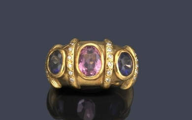Ring with pink tourmaline, sapphires and brilliants in