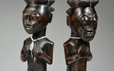 Superb pair of figures - Wood, Textile - ATTIE (AKYE) - Ivory Coast