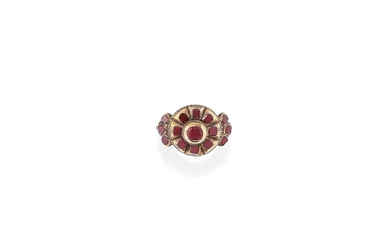 YELLOW GOLD AND GEM-SET RING