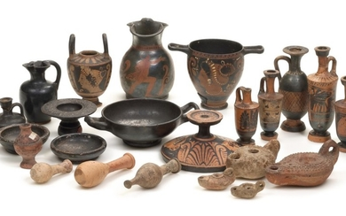 A GROUP OF GREEK POTTERY VESSELS, 5TH/3RD CENTURY B.C.