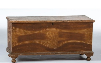 A Pennsylvania Feather-Painted Pine Blanket Chest