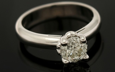 A diamond solitaire ring set with a brilliant-cut diamond, app. 1.01 ct., mounted in 18k white gold. I/SI1. Size 52.