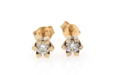 A pair of diamond ear studs each set with brilliant-cut diamond, weighing a total of app. 0.42 ct., mounted in 18k gold. VS. (2)