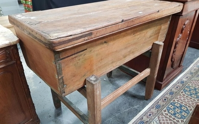 Antique Pine Dough Bin, of tapering form, with loose cover