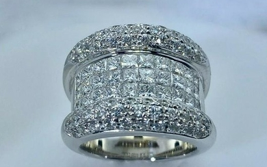 Diamond White Gold Ring 3.35 carat