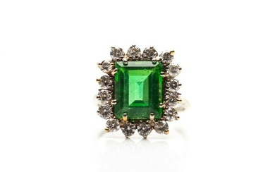 GREEN DOUBLET COCKTAIL RING WITH DIAMONDS, 4.4g