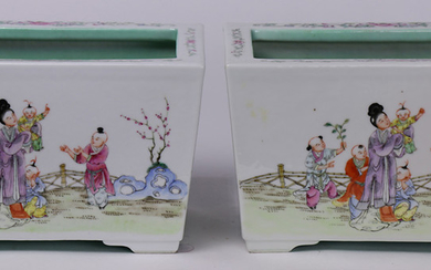 (Lot of 2) A pair of Chinese Famille-rose Square Planters