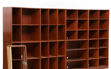 Mogens Koch: Wallunit of solid mahogany consisting of eight bookcases with matching plinths. (16)