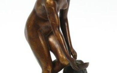"ROBERT RUDOLFI BRONZE SCULPTURE, ""AN DER QUELLE"""