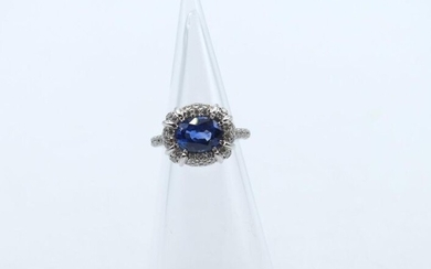 Ring in 18 ct white gold set with 114 brilliants +/- 1.70 ct and 1 sapphire - 7 g raw (Size: 53)