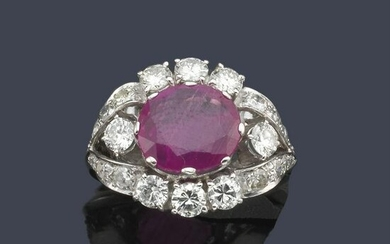 Ring with oval ruby