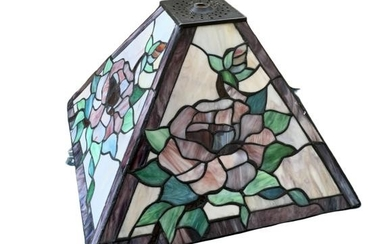 TIFFANY STYLE STAINED GLASS ROSES LAMP SHADE