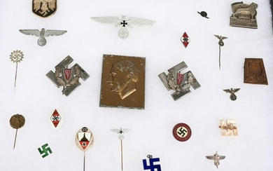 WWII NAZI GERMAN INSIGNIA & MEDAL LOT OF 22