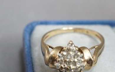 10K Gold Ring with Diamonds Cluster. Cocktail ring