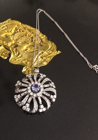 14 kt. White gold Necklace with pendant approx 2.00 ct