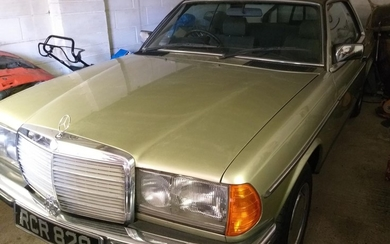 1985 MERCEDES-BENZ 230 CE COUPE REGISTRATION NO: C649 YAH