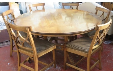 20th century inlaid oak circular topped dining table, on qua...
