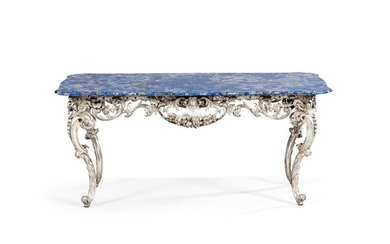 A COFFEE-TABLE WITH SILVER FEET, THE TABLE TOP APPLIED WITH LAPIS LAZULI, MAZZETTI, MILAN, CIRCA 1950 | TABLE BASSE À PIÈTEMENT EN ARGENT ET PLATEAU PLAQUÉ DE LAPIS LAZULI PAR MAZZETTI, MILAN, VERS 1950
