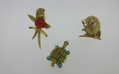 A trio of novelty animal brooches,