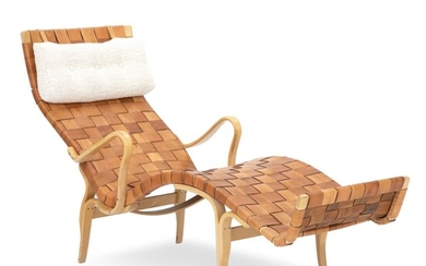 "Bruno Mathsson: ""Pernilla 3"". Chaise longue of moulded, laminated beech. Seat and back with pleated..."
