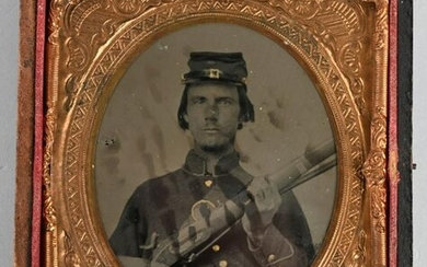 CIVIL WAR DOUBLE ARMED AMBROTYPE IMAGE CASED