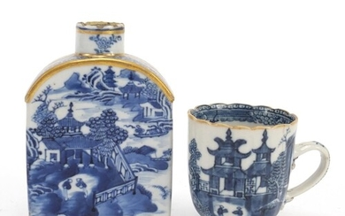 Chinese blue and white porcelain tea caddy and cup, each dec...