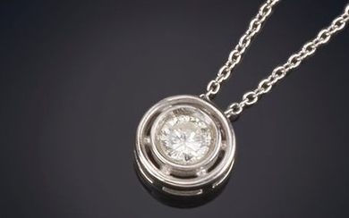 DIAMOND PENDANT, chain and mount in 18K white...