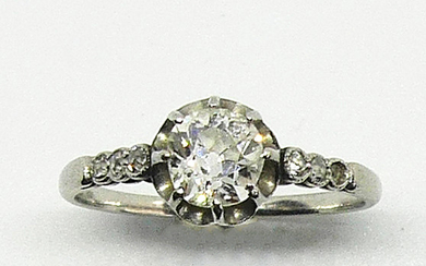 RING in white gold set with a solitaire...