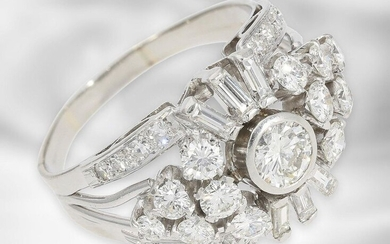 Ring: high-carat, formerly very expensive platinum ring with diamond setting, total approx. 2.03ct, 950 platinum