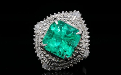 7.70ct Emerald, 0.80ctw Diamond & Platinum Ring