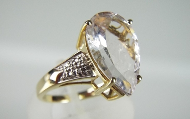 9ct Pear shaped Mozambique Morganite & 8 African Diamond set...