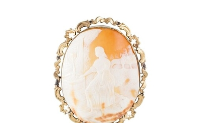 A LARGE ANTIQUE CAMEO BROOCH, shell with gold rim